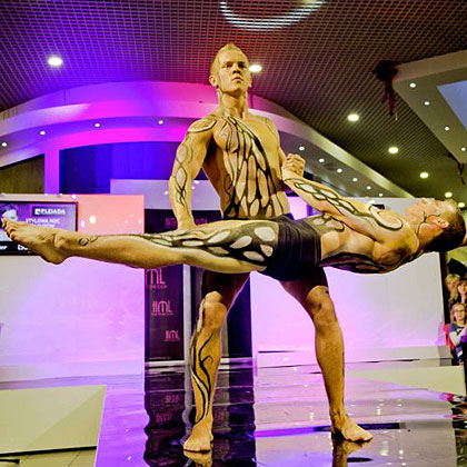 Body painting, fot. AcroGym Duo